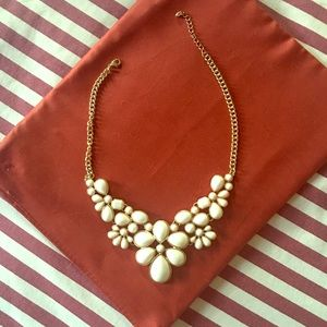 Jewelry - Floral Light peach color necklace!